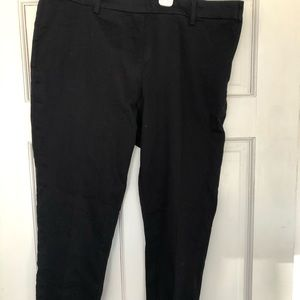 H & M black ankle pants with side zipper